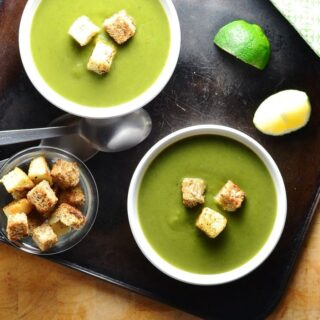 Green Pea Spinach Soup with Skinny Croutons